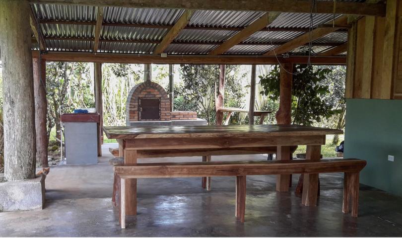 eingang nationalpark tenorio eingang nationalpark tenorio finca la amistad tourismus posada. Black Bedroom Furniture Sets. Home Design Ideas